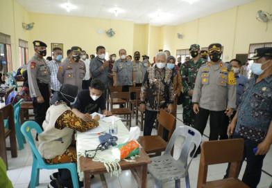 Bupati Asahan Bersama Wakil Bupati Dan Kapolres Tinjau Vaksinasi Tahap II Di PTPN III Bandar Selamat