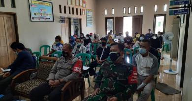 Sinergitas Polsek Mancak Polres Cilegon Polda Banten bersama Koramil Mancak, monitoring Musyawarah Desa